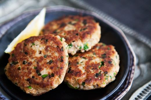 Low Carb Tinned Salmon Fish Cakes