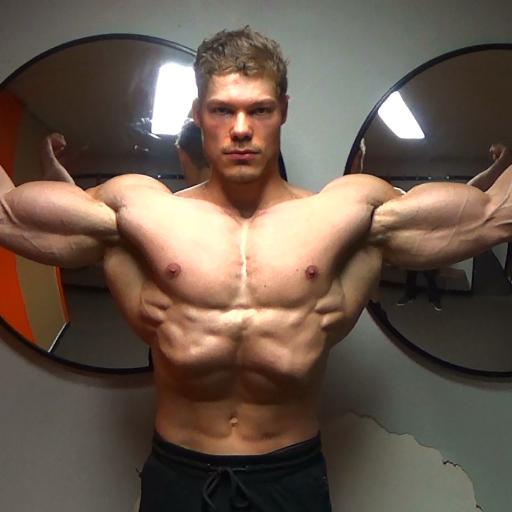 Wesley Vissers bodybuilder Front Classic Pose
